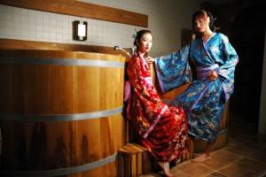 Японские гейши в бане