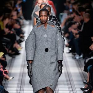 Объемные рукава в одежде Balenciaga